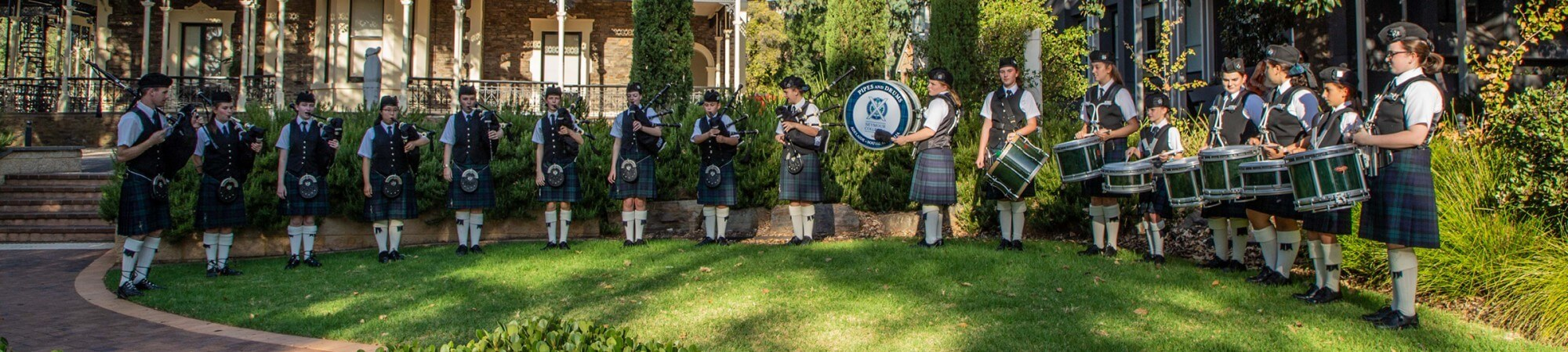 Website Banner Community Pipers